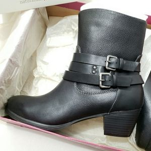 👡Brand New Naturalizer Black Buckles Boots
